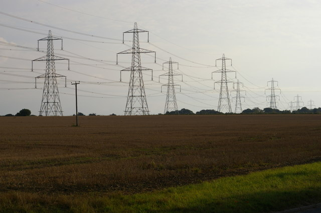 Pylon lines outside Knodishall