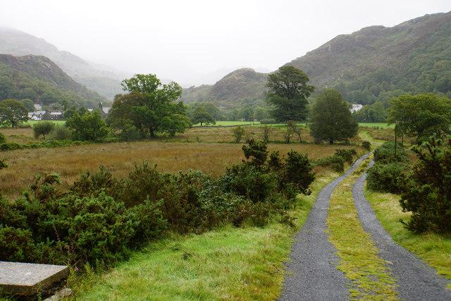 Track towards Bryn y Bedd