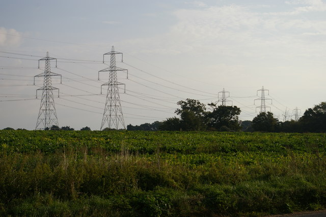 Pylon lines north of Aldringham Lane