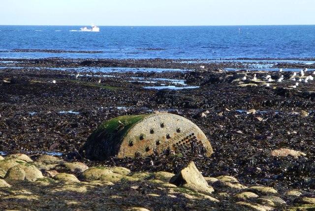 Beached boiler on Castlehead Rocks