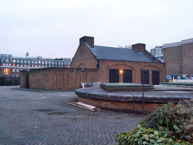 Shaft and pump house, London Water Ring Main