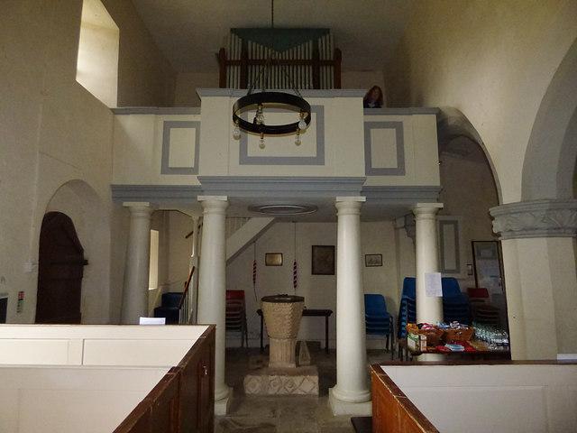 St Edmund, Marske - nave and gallery