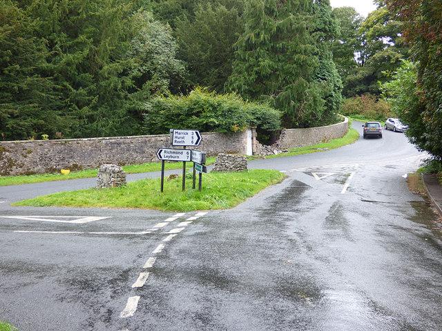 Road junction alongside Marske Bridge