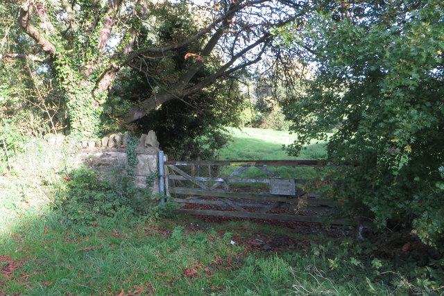 Gate on the path to private fishing