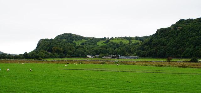 Farmland near Portreuddyn