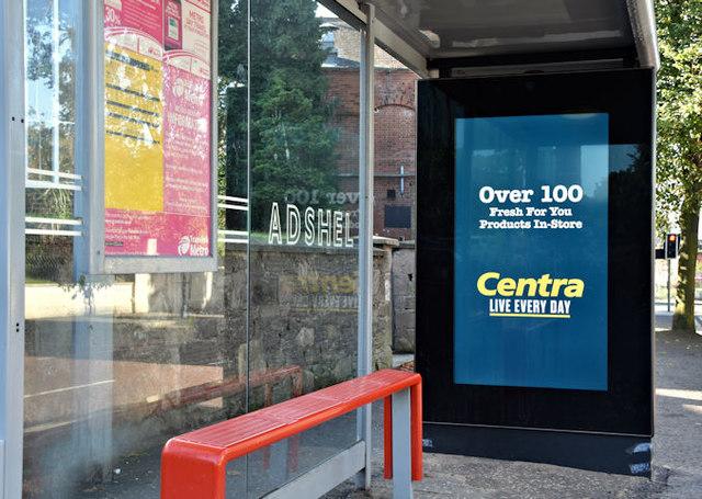 Digital bus shelter advertising, Strandtown, Belfast - September 2017(2)
