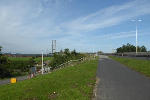 Cycle path approaching the bridge