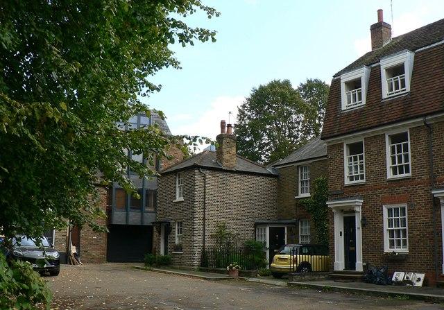 Cottages in Upper Butts, Brentford