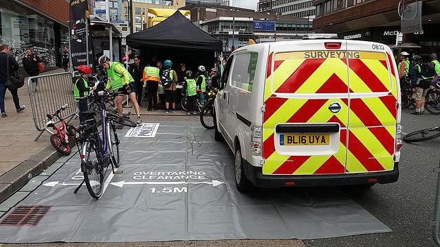 HSBC City Ride 2017, Leeds - safe passing exhibit