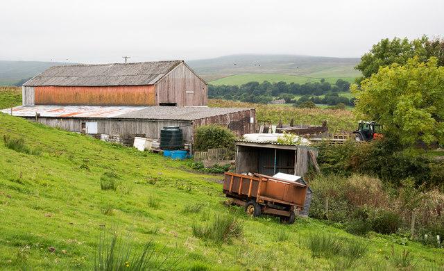 Barn at farm on Cam High Road