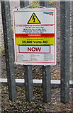 SU5290 : Warning - 25,000 volts AC at Didcot (railway) Junction by Jaggery