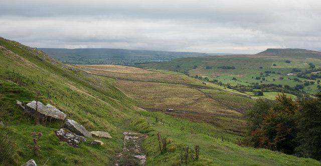 Bridleway descending towards Countersett