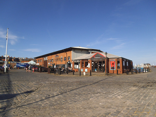 Bridlington harbour cafe