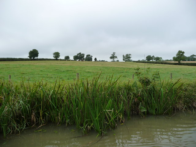 Farmland south of Debdale Wharf