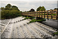 SK5716 : A weir and footbridge at Barrow-upon-Soar by Oliver Mills