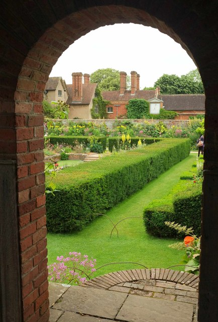 South court, Packwood House