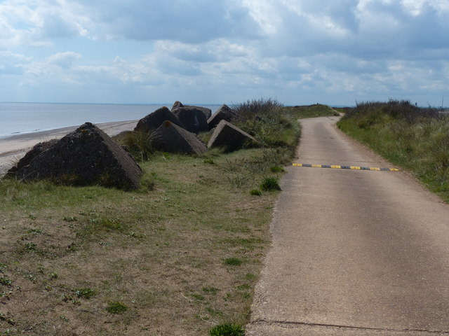 Concrete blocks next to the road to Spurn Point