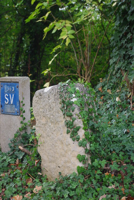 Milestone by Dry Drayton Road, Madingley