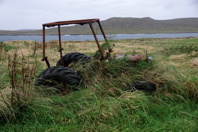 Abandoned tractor at Clibberswick