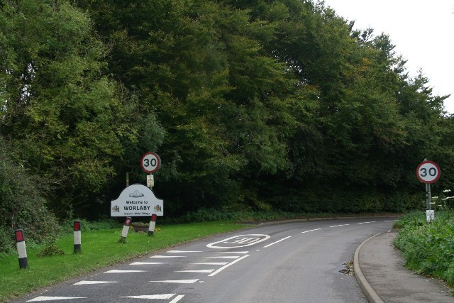 Low Road into Worlaby