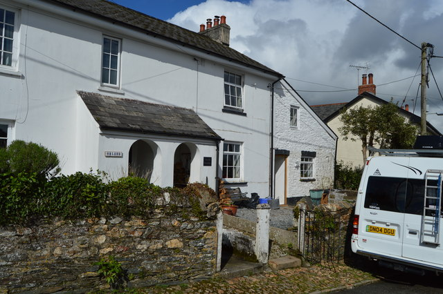 Cottage, Fore St
