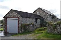 SX4563 : Farm buildings by N Chadwick