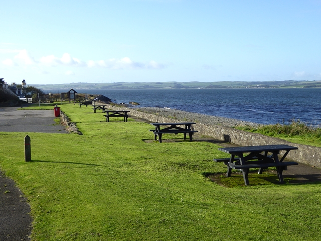 Picnic area at Old House Point