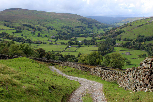 Descending into Swaledale