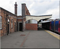 SO8555 : Platform 1A, Worcester Shrub Hill station by Jaggery