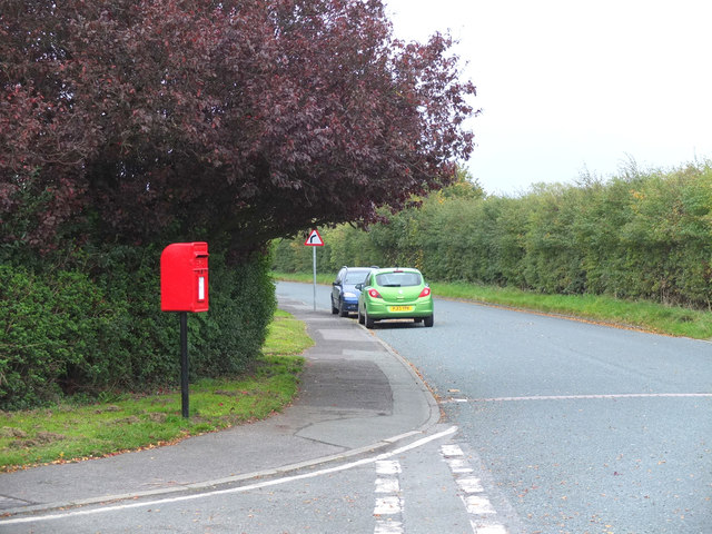 Postbox at the junction of Furnival Drive and Higgins Lane