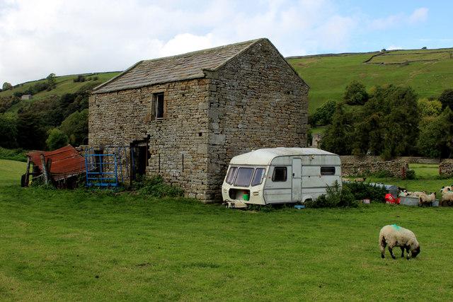 Stone Barn near Isles Bridge