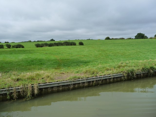 Former field boundary, south-west of Smeeton Westerby