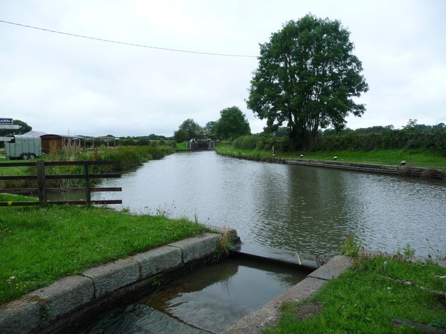 Pound between Locks 20 and 19, Grand Union Canal [Leicester section]