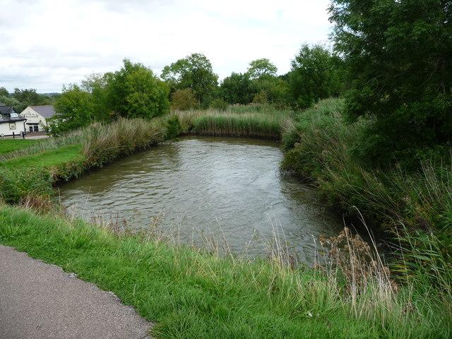 Side pond filling at Foxton