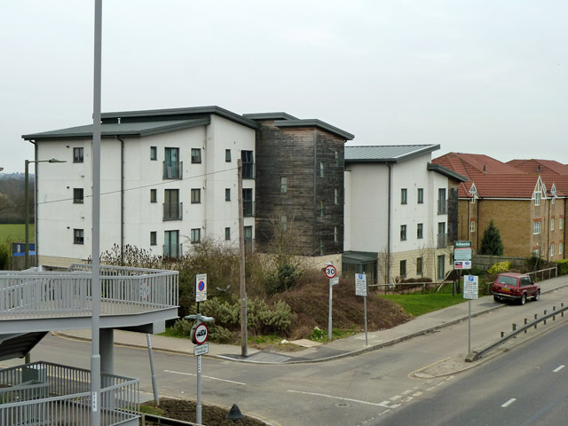Flats on Great North Way, A1
