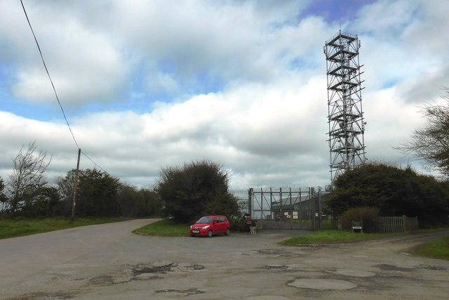 Communications mast at Castle Cross