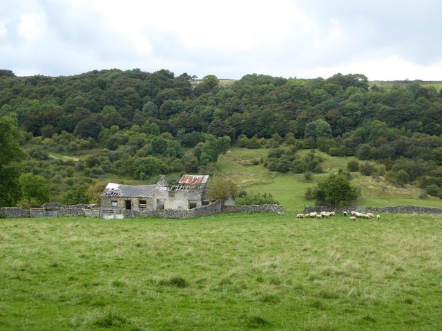 Ruined farm buildings, Eyam