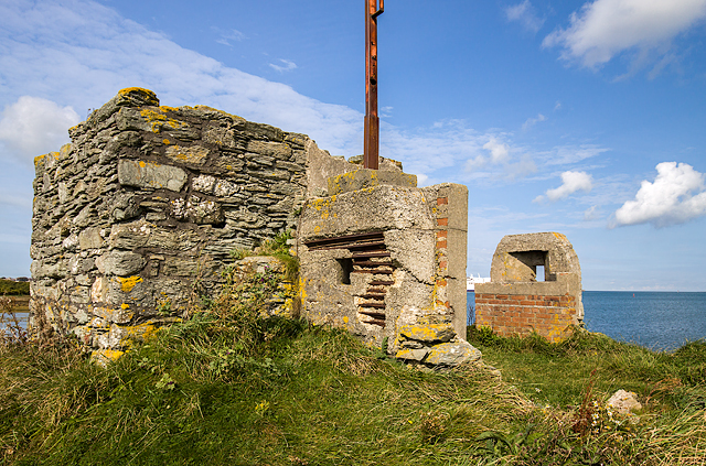 North Wales WWII defences: Holyhead, Anglesey - Ynys Peibio pillbox (3)