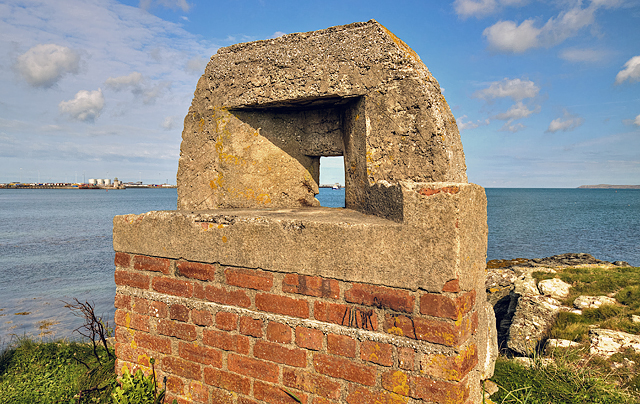North Wales WWII defences: Holyhead, Anglesey - Ynys Peibio pillbox (4)