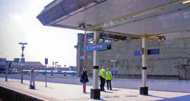 London Bridge station (Eastern section), new platform 5/6 2008