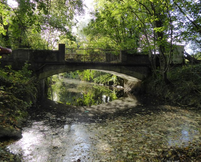 Bridge across the Hogsmill River