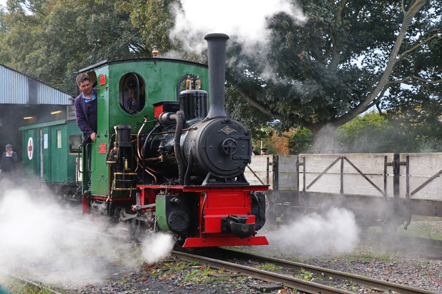 Leighton Buzzard Railway - P C Allen on manoeuvres