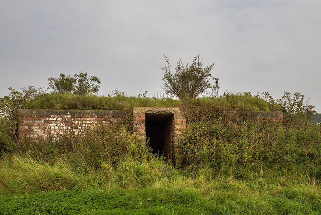 WWII Cheshire, Heswall - Civil Bombing Decoy Control Bunker (2)