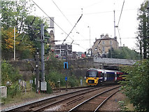 SE1437 : Shipley railway station - departure to Skipton by Stephen Craven