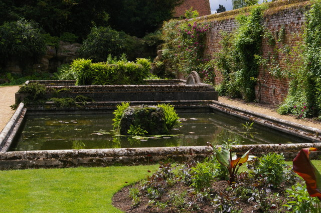 Water basins in the walled garden, Audley End