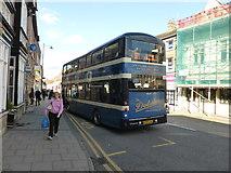 TF0920 : Bus and Scaffold by Bob Harvey