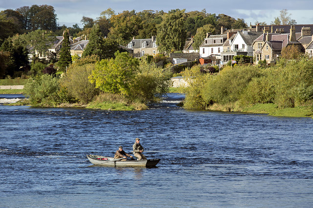 Salmon fishing at the Junction Pool, Kelso