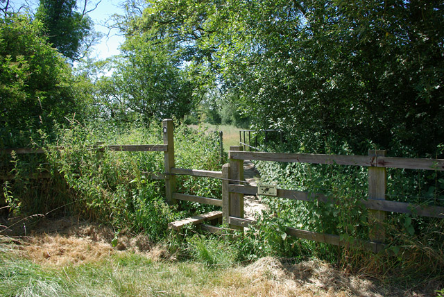 Stile and footbridge near Denshot Farm