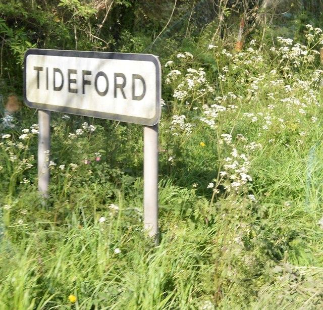 Entering Tideford