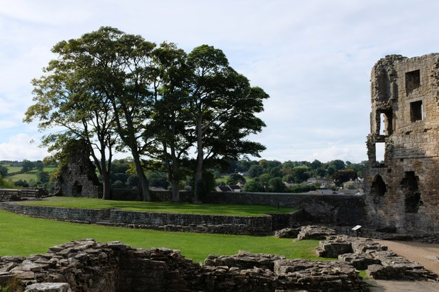 Barnard Castle: The inner ward from the great hall
